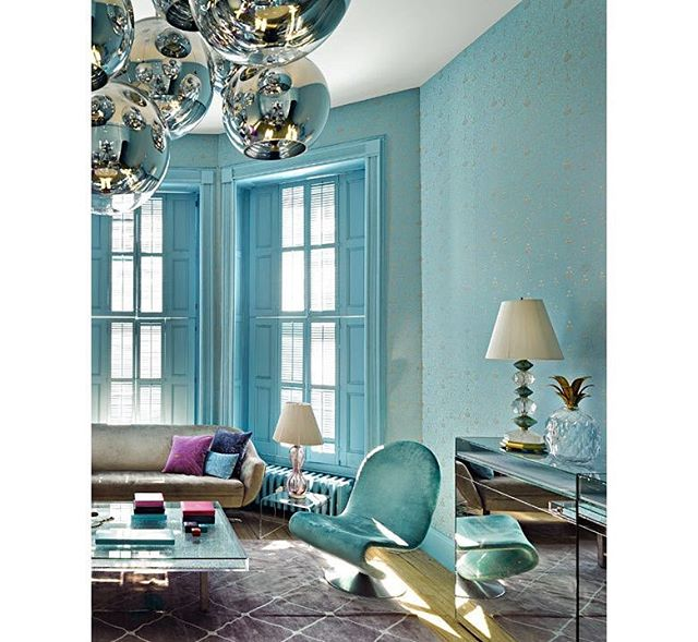 jewelry designer @mariehelenedetaillac has the coolest super-feminine color schemes in her apartments... check out this room all in aquamarine LITERALLY, the yves klein table is filled with actual aquamarines.  I DIE!!!!!⠀ ⠀ Will post a closeup of the table later. ⠀ ⠀ #jewels⠀ #luxury⠀ #whimsy⠀ #originality
