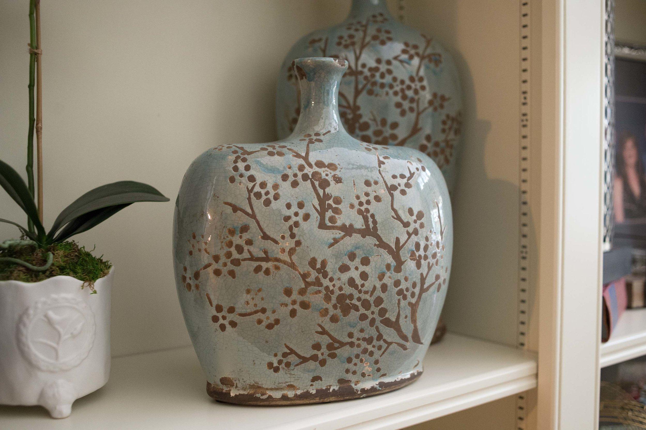 flower  design on ceramic vase