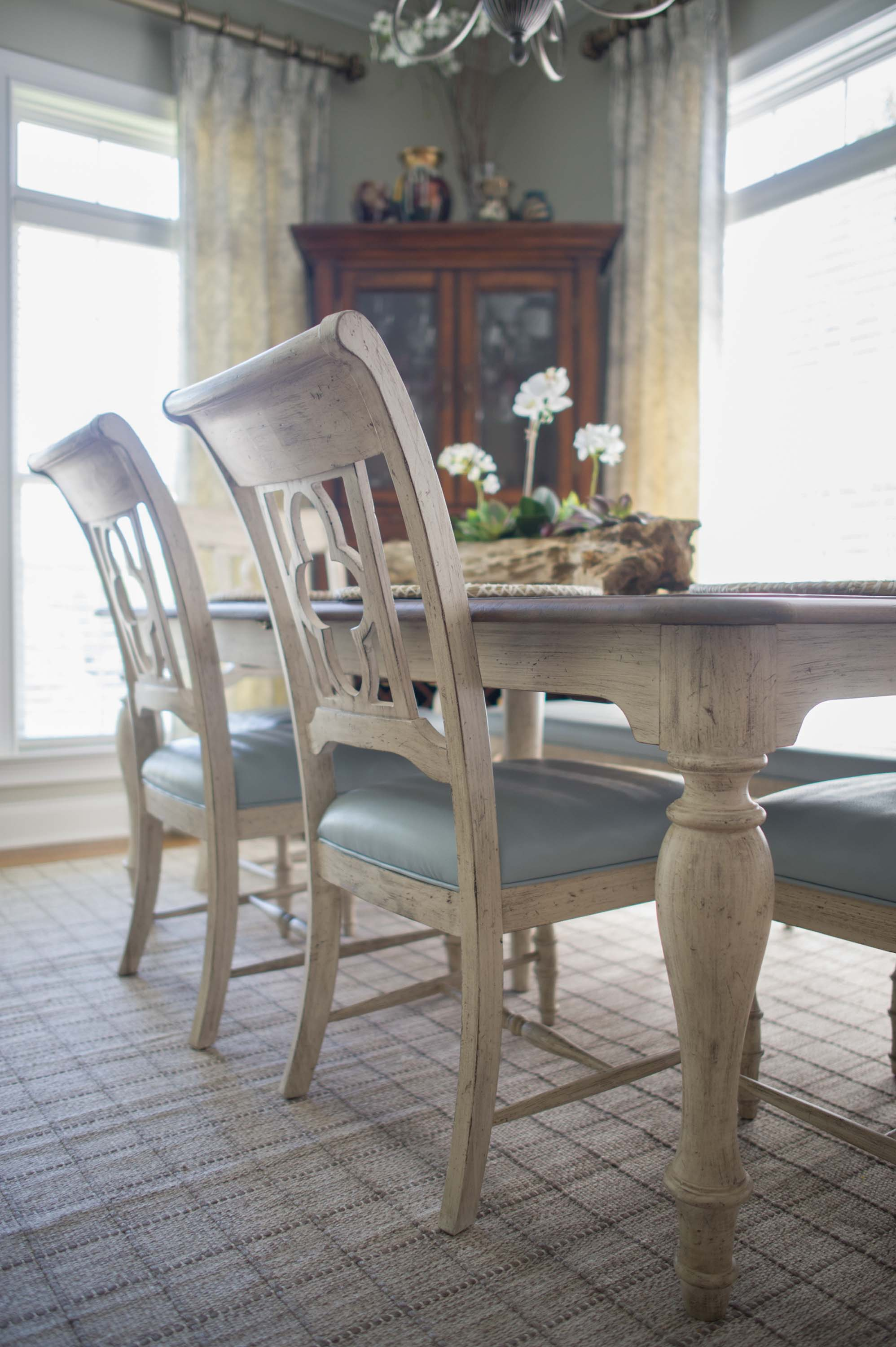Dining room with wooden table and chair