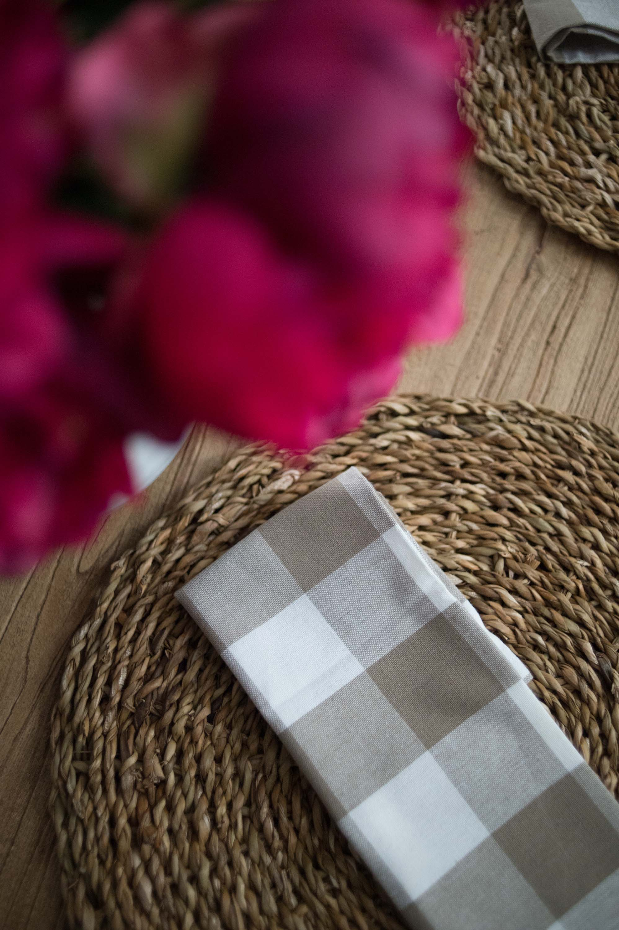 Dining Room Table Floral with Check Napkins & Seagrass Placemat