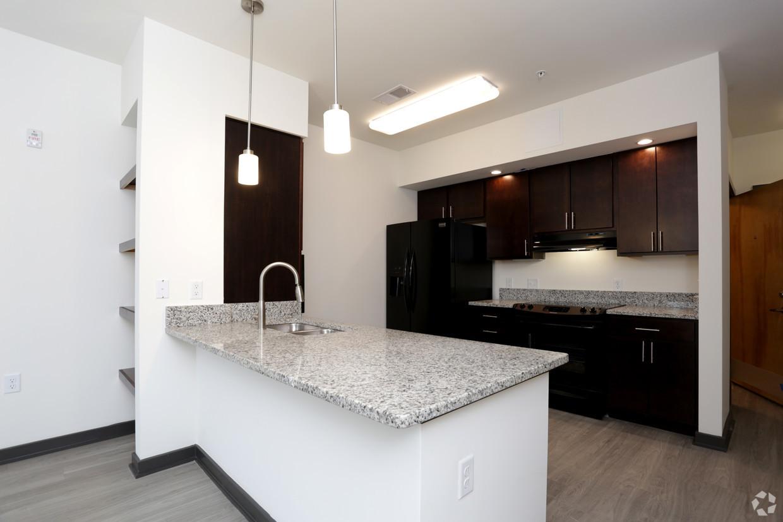 carlton-view-apartments-charlottesville-va-kitchen-2.jpg