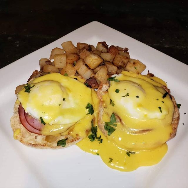 Six50 on the Bay at Sodus Point open for breakfast everyday at 6am!!! #six50 #six50sodus #breakfast #gettothepoint #soduspoint #eggsbenedict
