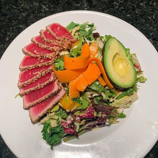 We have some new dishes coming to our new menu! Avocado Ahi Sesame Salad, Steak & Blue Pizza! New menu coming soon! #six50 #six50chili #six50victor #six50sodus #ahituna #avocado #sesame #freshsalads #steakpizza #blueberries #woodfiredoven #yummy