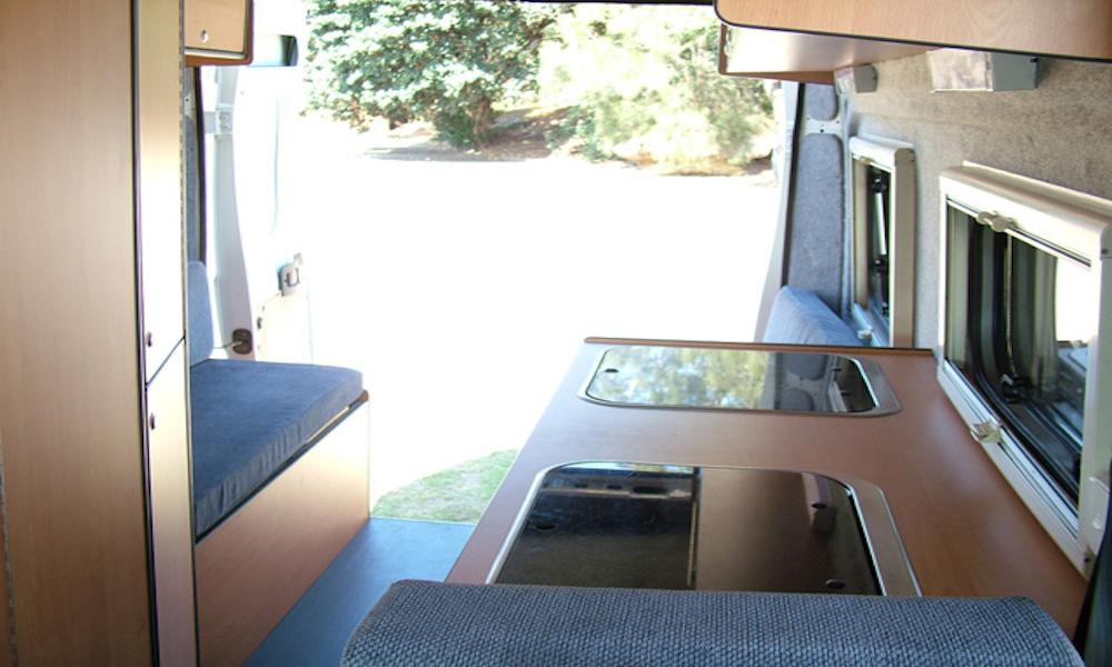 autosleepers-campervans-hire-sydney-motorhomes-hightop-budget-deluxe-4berth-australia-fiat-cruiser-3.jpg