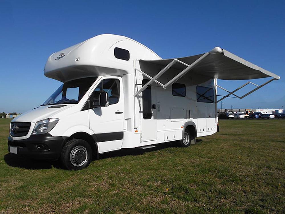 autosleepers-campervans-hire-sydney-motorhomes-australia-6berth-deluxe-mercedes-1.jpg