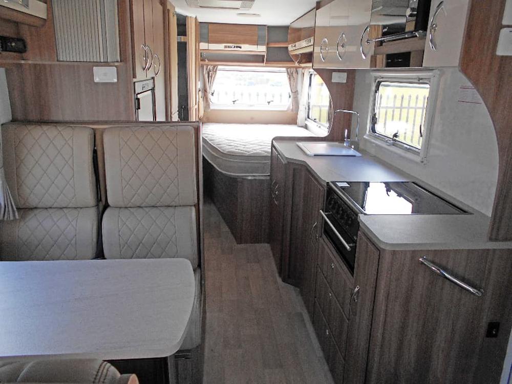 autosleepers-campervans-hire-sydney-motorhomes-australia-6berth-deluxe-mercedes-3.jpg