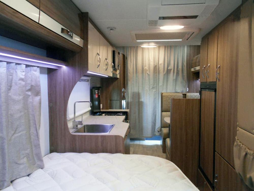autosleepers-campervans-hire-sydney-motorhomes-australia-6berth-deluxe-mercedes-4.jpg