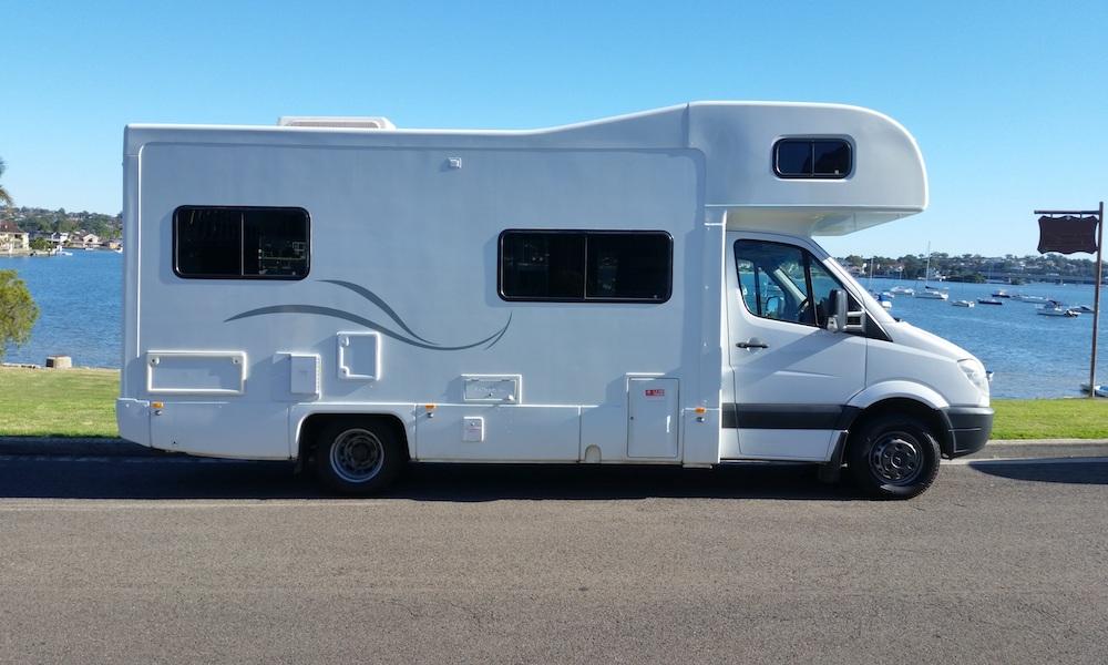 autosleepers-campervans-hire-sydney-motorhomes-hightop-budget-deluxe-australia-6berth-2.jpg