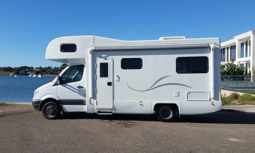 autosleepers-campervans-hire-sydney-motorhomes-hightop-budget-deluxe-australia-6berth-3.jpg