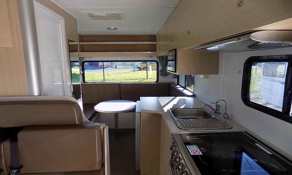 autosleepers-campervans-hire-sydney-motorhomes-hightop-budget-deluxe-australia-6berth-4.jpg