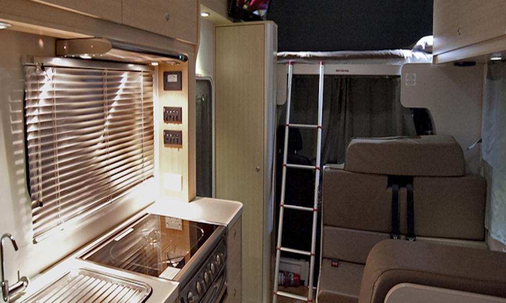 autosleepers-campervans-hire-sydney-motorhomes-hightop-budget-deluxe-australia-6berth-5.jpg
