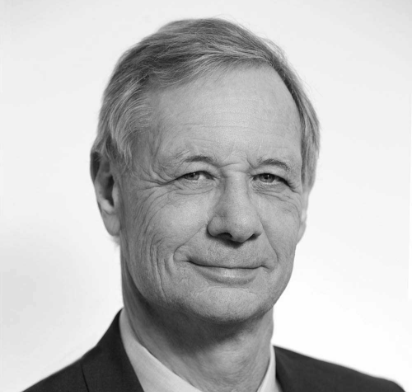 Dr. Jonathan Knowles PhD Independent Director - Distinguished pharma executive who drove precision medicine and immuno-oncology into mainstream medicine. He was President of Group Research and member of the Executive Committee at Roche, and member of the Boards at Genentech and Chugai Pharmaceutical