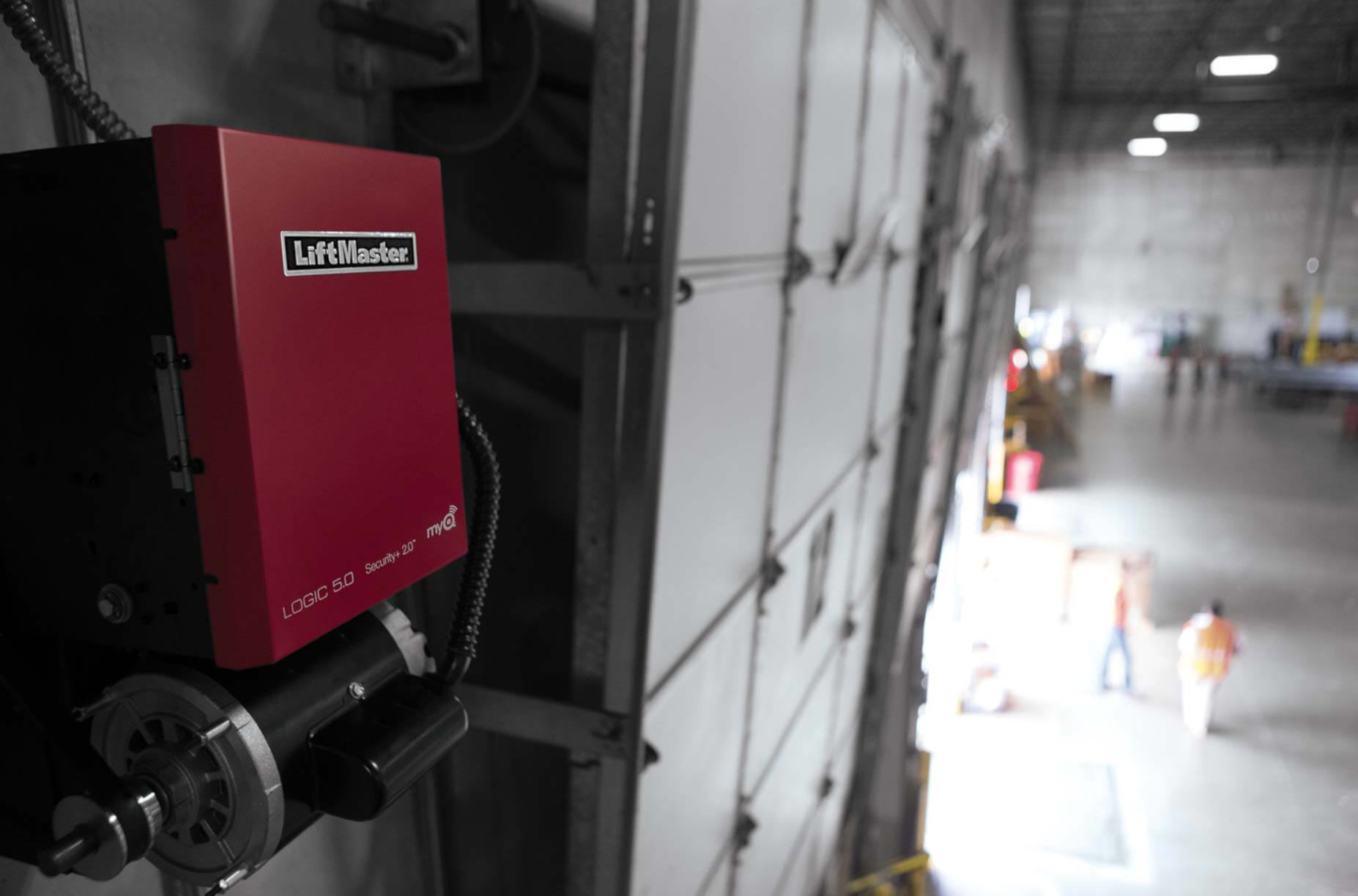 WAREHOUSE  LiftMaster understands your primary concerns center around safety, security, convenience and energy savings in your warehouse