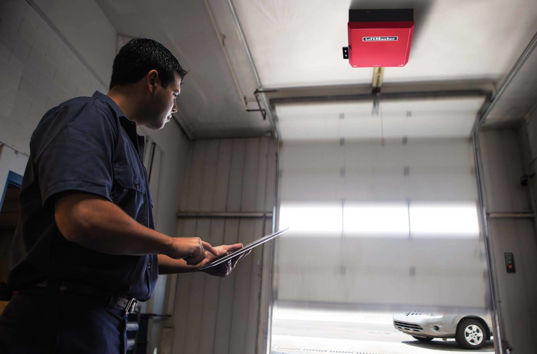 AUTO SERVICE  LiftMaster understands your primary concern is to provide the highest level of customer service.