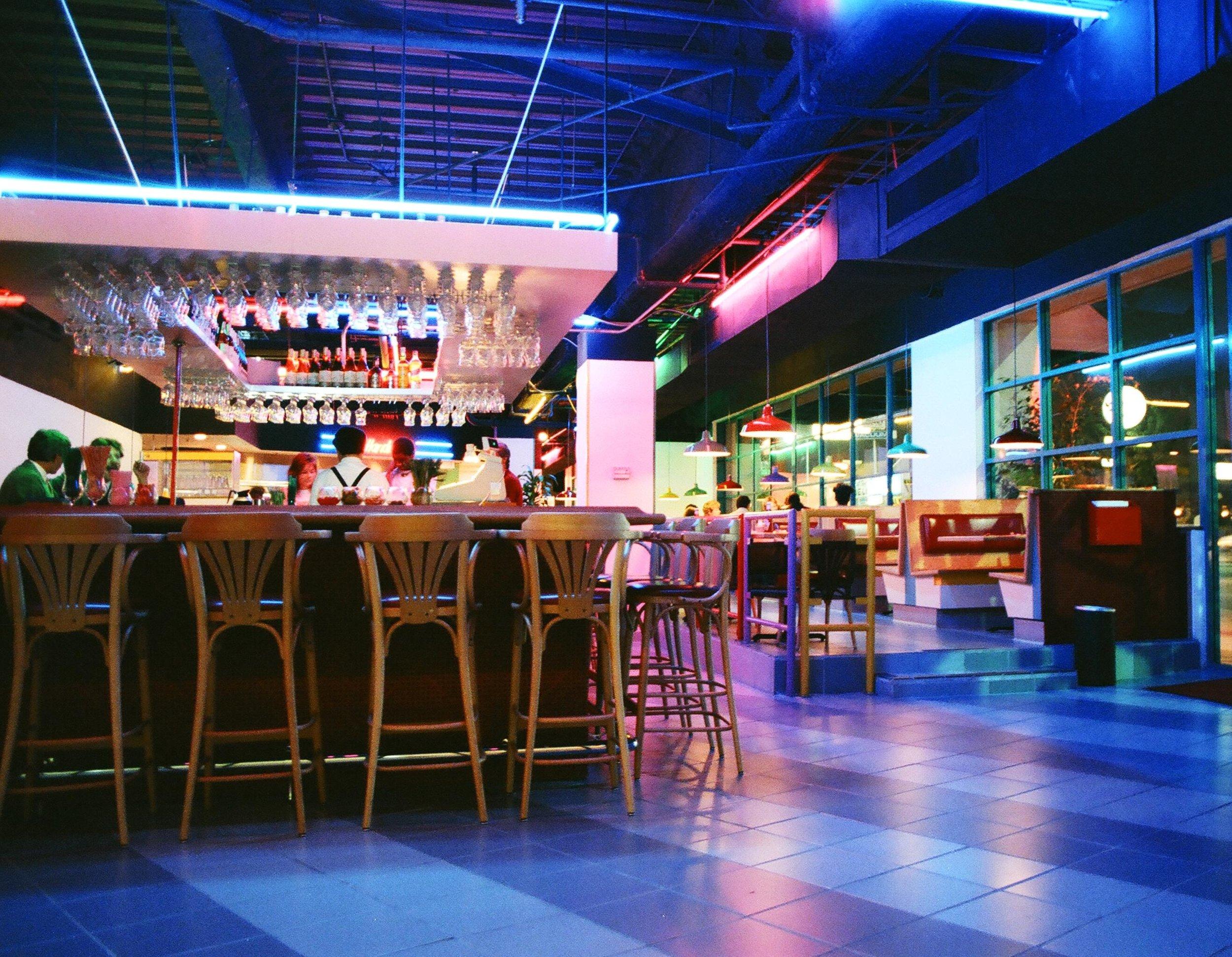 Crayons Restaurant & Bar - Los Angeles, California