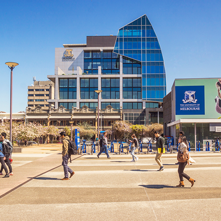 MELBOURNE UNIVERSITY - 20 minutes walk