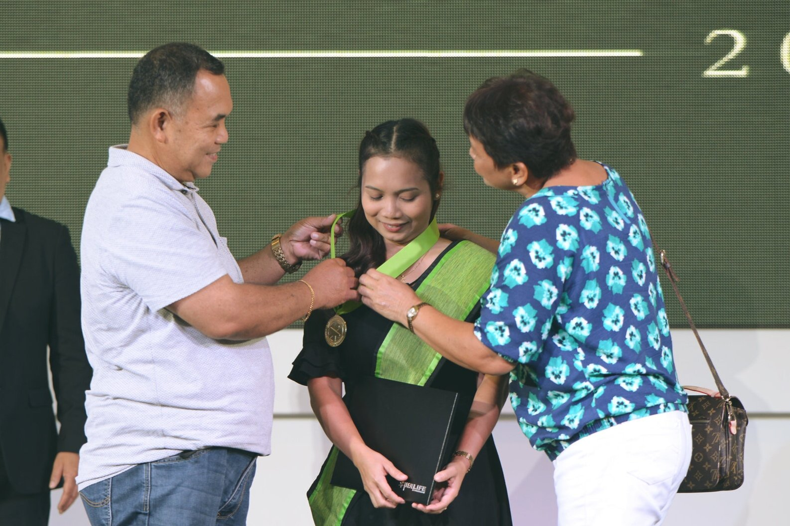 With her parents as her inspiration, Jonalyn graduated cum laude.