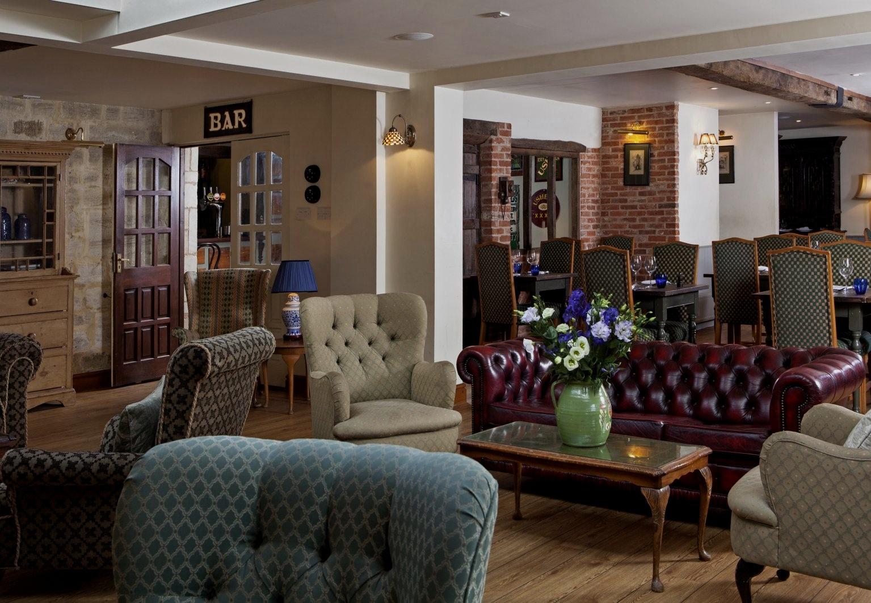 lounge%2Bbar+2.jpg