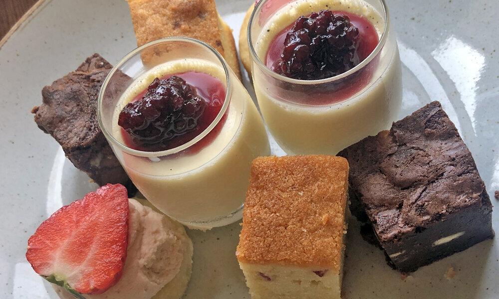 Cakes+and+tea.jpg