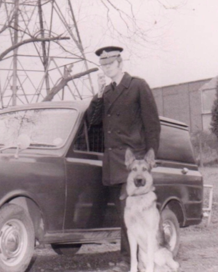 1970-1975: Increase in BTP Dog Section - The BTP Dog Section had increased to 70 which was near to the figure of 75 that Inspector Shelton had set in 1962.In 1973, PC Murphy (Southampton Docks) trained his dog to detect cannabis being smuggled through the Docks and in 1973-74, arrests made by Dog Teams had risen from 738 to 908.Despite that fact the then new BTP CC Haslem wasn't impressed & took the decision to reduce the section to just 24 police dogs, many established handlers & dogs were to lose their jobs.In 1975, the following day it was announced that the BTP Dog Training School at Elstree was to be closed having only been opened in 1965, & the Dog Section would be reduced.