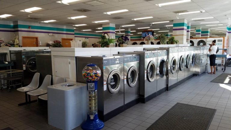 LaundromatS - When you invest in American Laundry Equipment, you are investing in more than quality laundry equipment. You are also choosing a strong partner in profit.