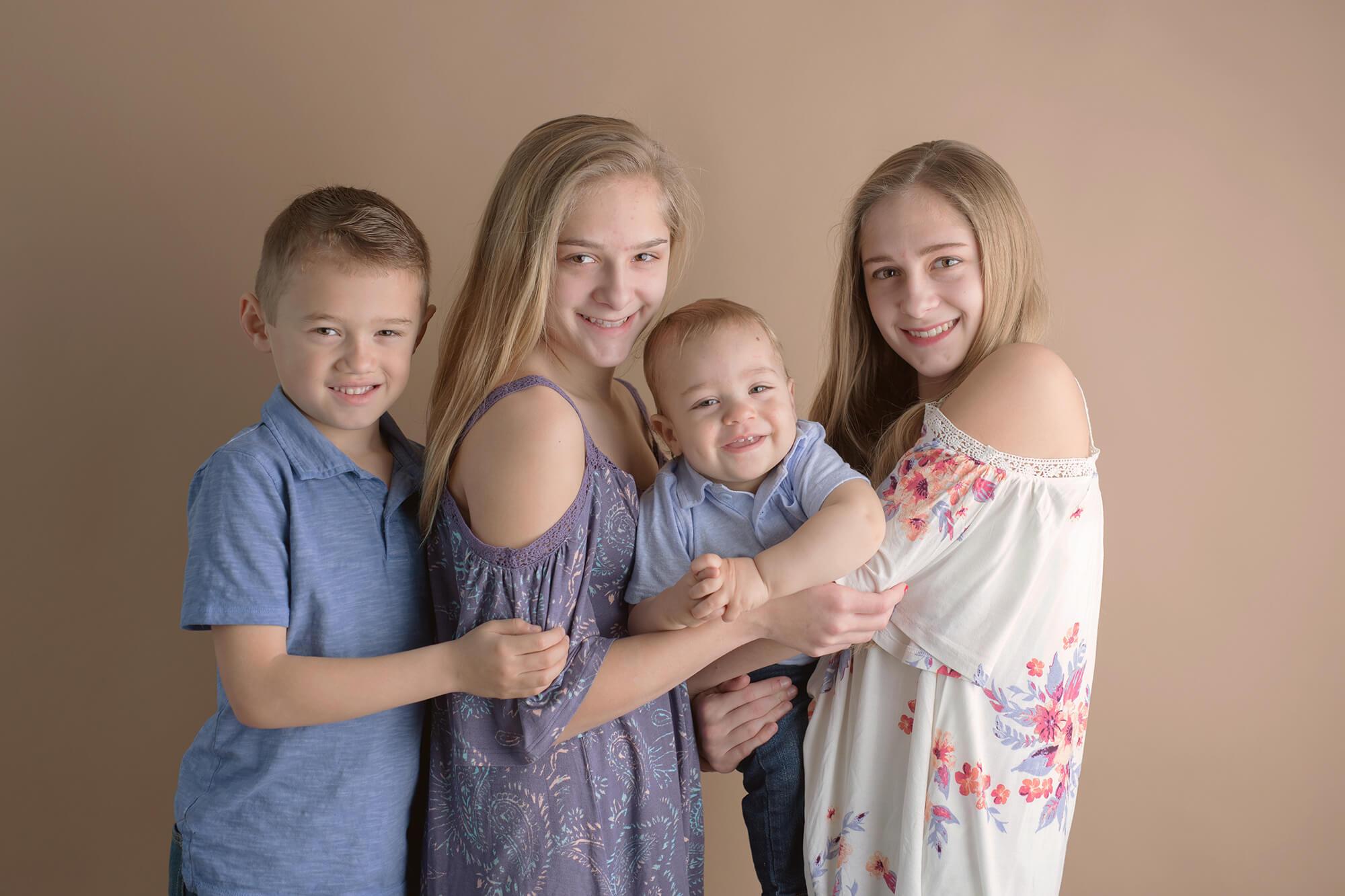 Sweet Snaps Photography - Valparaiso Indiana Family Photographer