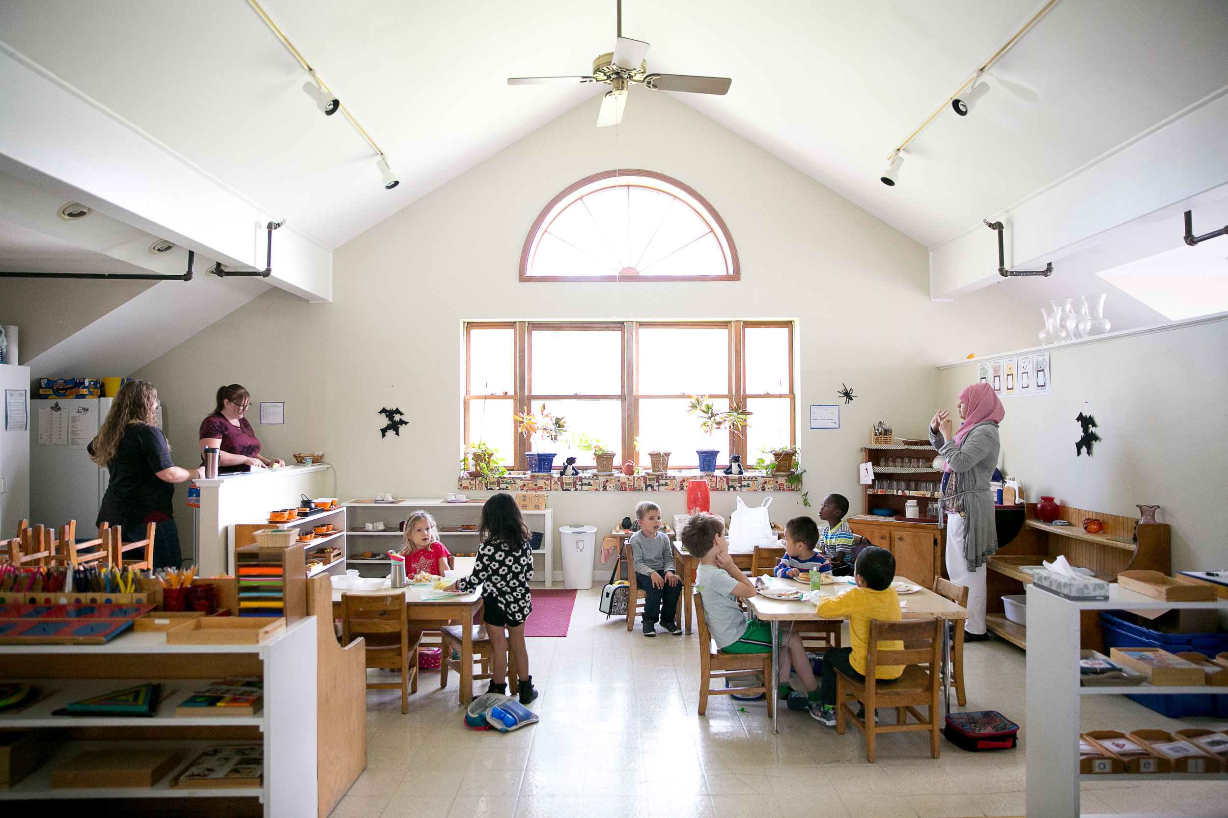 Rosehill_Montessori_Preschool_Kindergarten_classroom_lunch_learning_curriculum.jpg