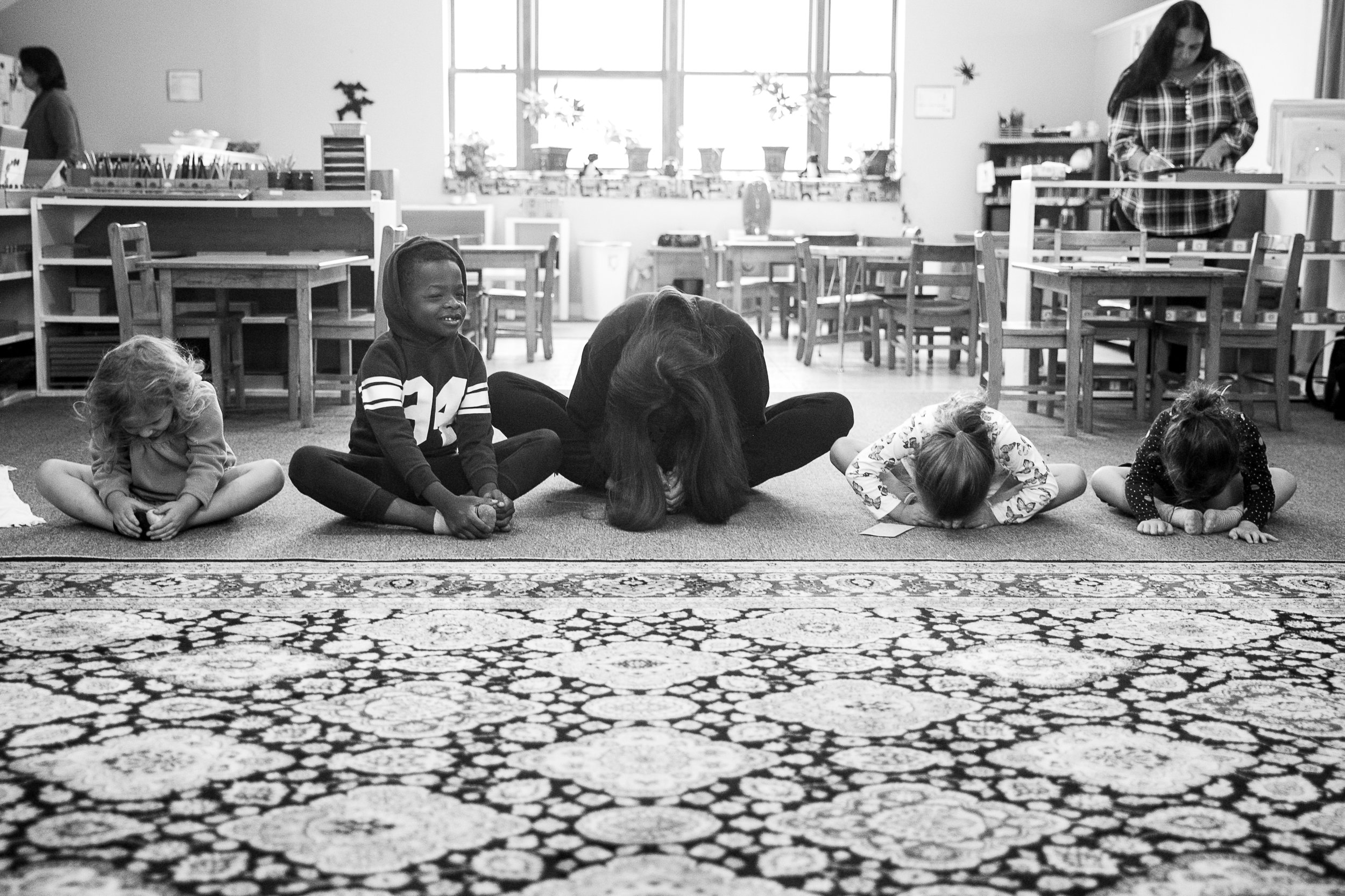 Rosehill_Montessori_Preschool_Kindergarten_classroom_classmates_dance_yoga_Enrichment_programs_Play.jpg