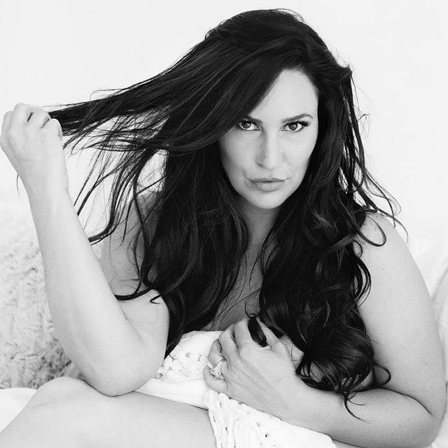 On fire this girl 🔥#boudoir #boudoirphotographer #longbeachboudoir #longbeachboudoirphotography