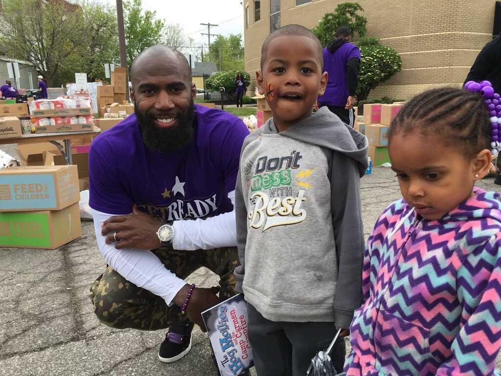 Community Outreach Event - To provide support to families who may be experiencing financial hardship, The Malcolm Jenkins Foundation partners with Feed the Children, hunger relief organizations, sponsors, and community resource partners to host 'Get Ready Fest™