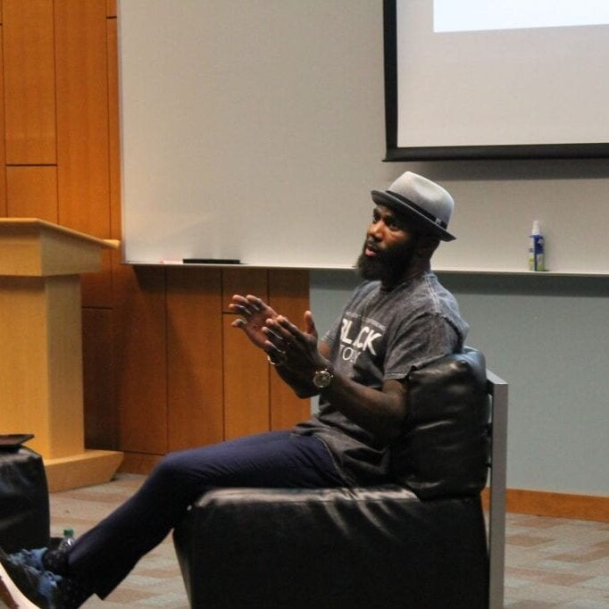 Former Ohio State safety Malcolm Jenkins answers questions in a Q&A in his return to campus to discuss social justice in the workplace. Credit: Ari Horton | Lantern Reporter