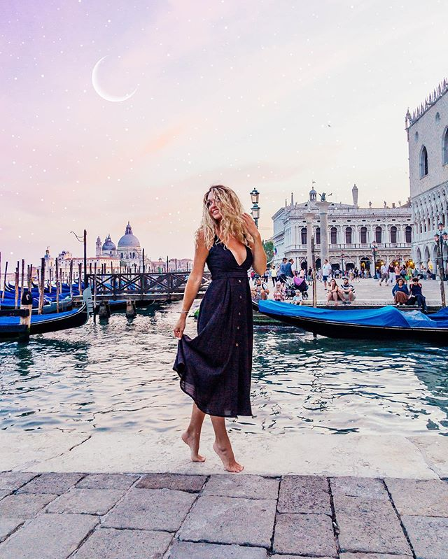 Living in a Venetian dream 🌙✨ If you could go anywhere in the world right now where would you go? Comment below! 👇🏻