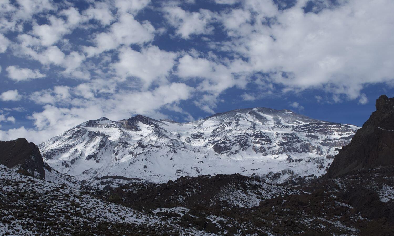 San Jose Volcano Climbing Tour with Chile Montaña_10.jpg