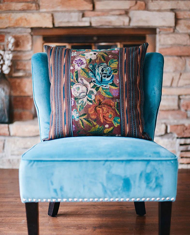 Blue_Chair_1.jpg