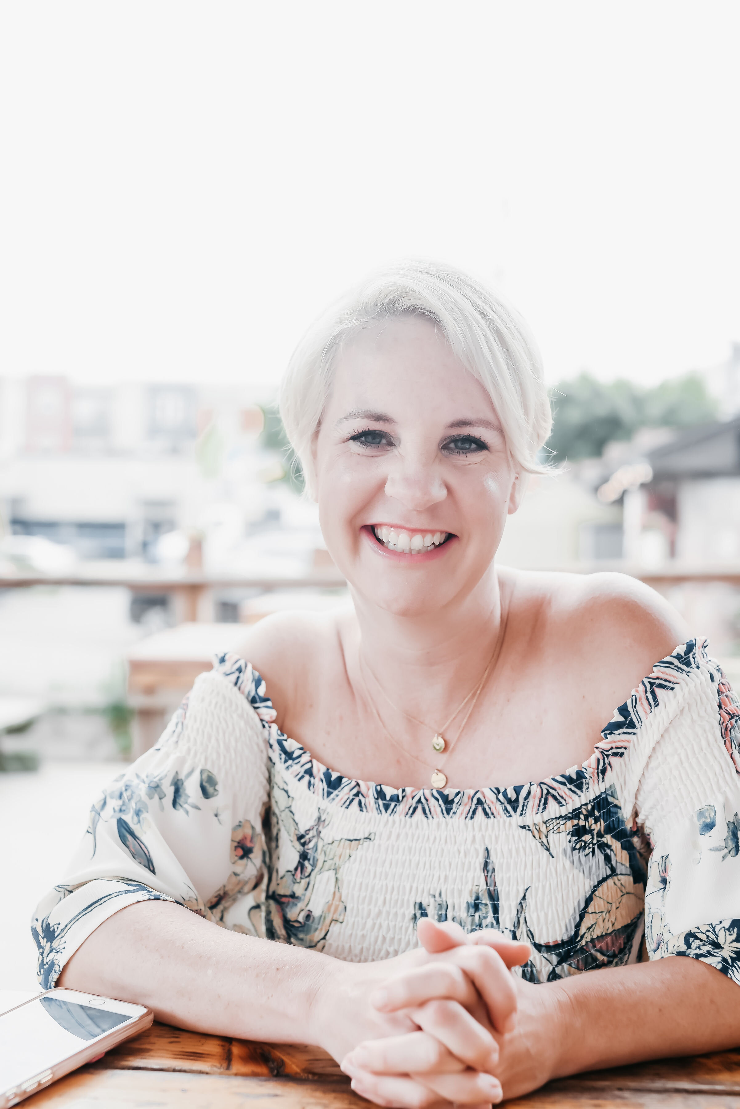 EPISODE 031 - BUILD A RAVING AUDIENCE THAT CRAVES YOUR CONTENT WITH JENNY MELROSE -