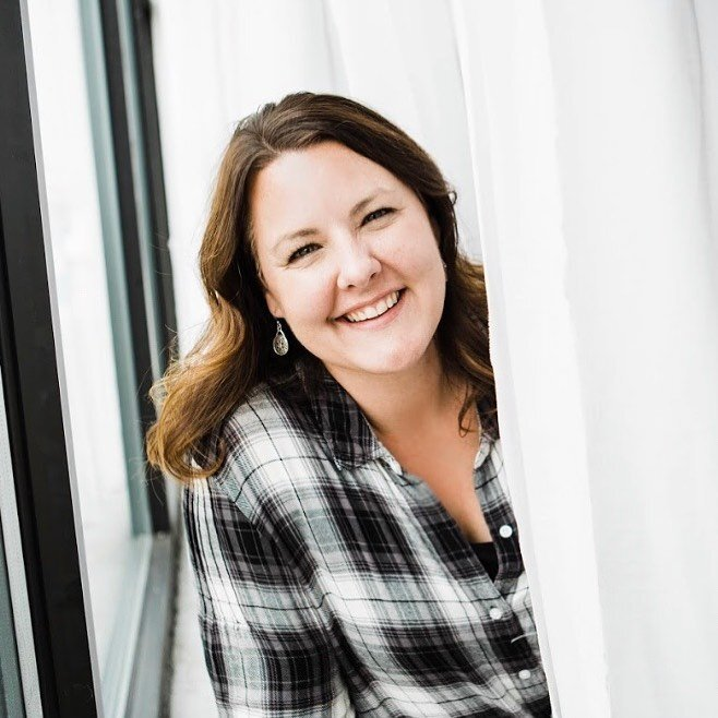 EPISODE 054 - IMPROVE YOUR PINTEREST GAME WITH KATE AHL -
