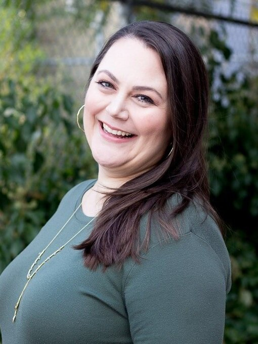 EPISODE 056 - FOOD BLOGGING CONFERENCES FROM AN ATTENDEE'S PERSPECTIVE WITH TARYN SOLIE -