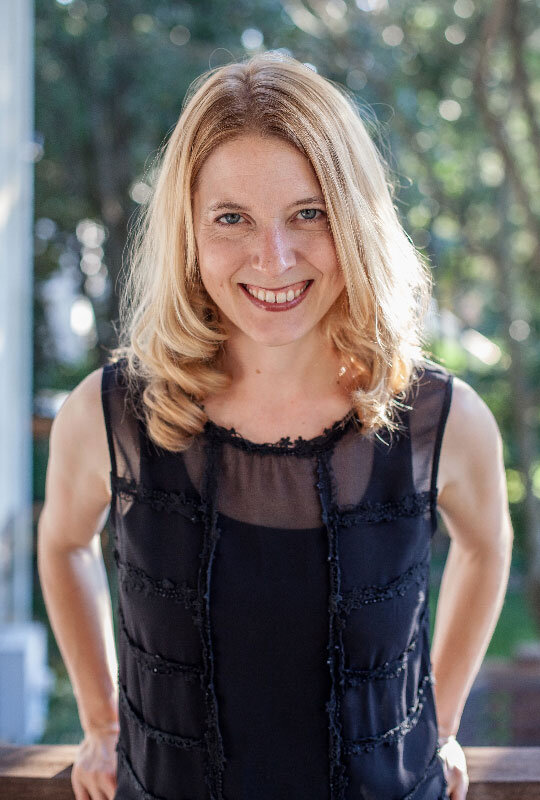 EPISODE 076 - TIME MANAGEMENT TIPS TO HELP GROW YOUR BUSINESS WITH LAURA VANDERKAM -