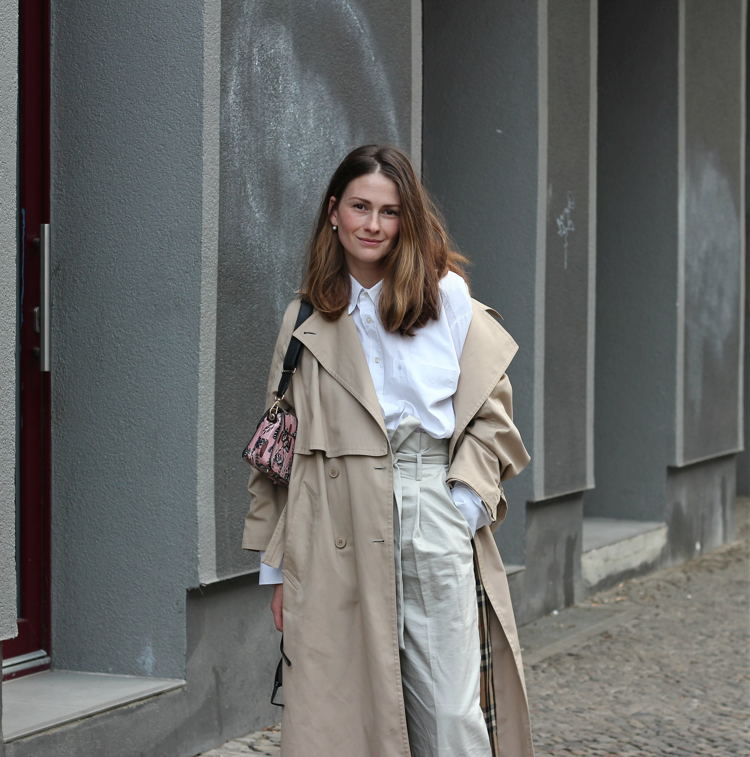 annaporter-portrait-trench-look.jpg