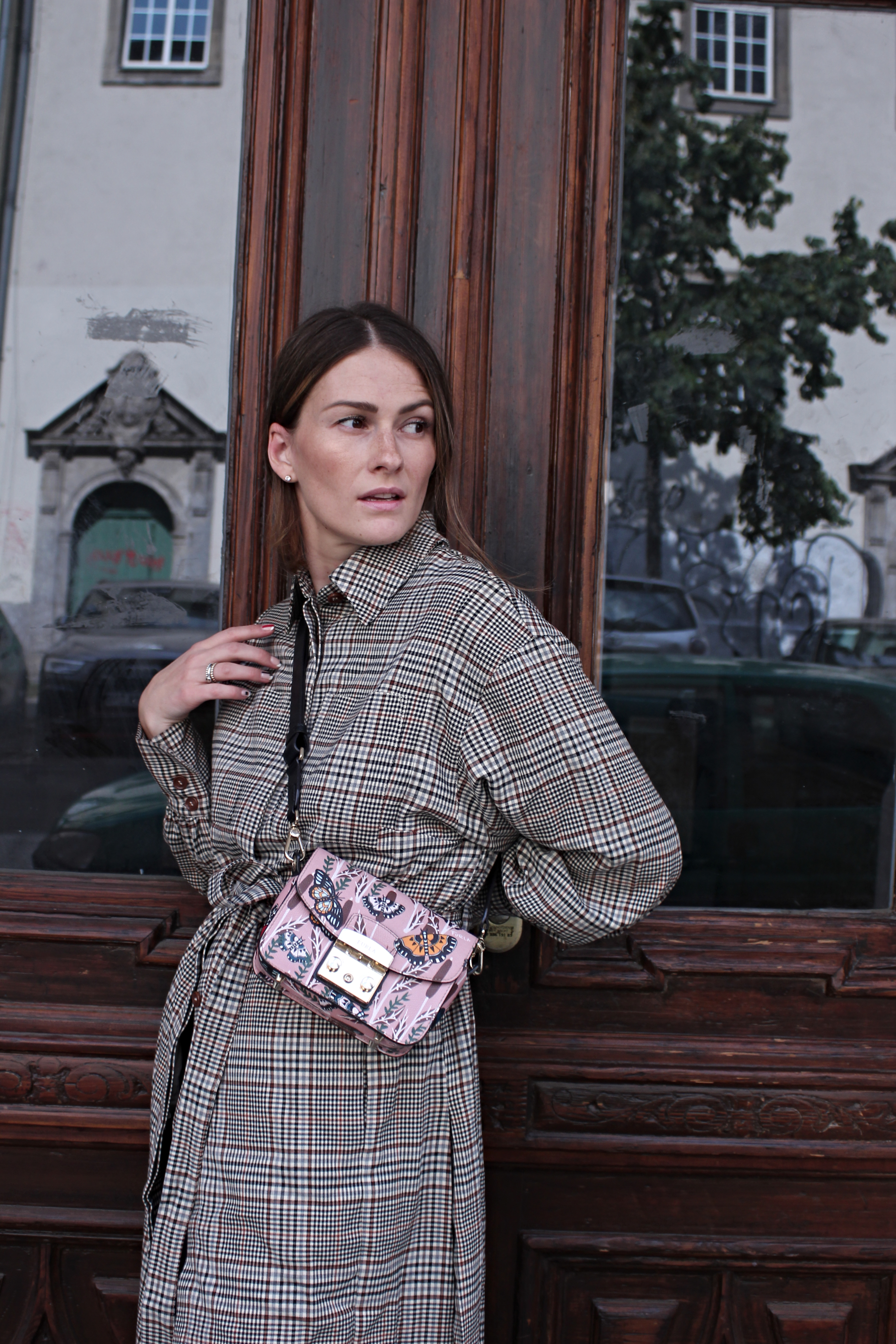annaporter-checked-coat-hm-fashionblogger-portrait-1.jpg