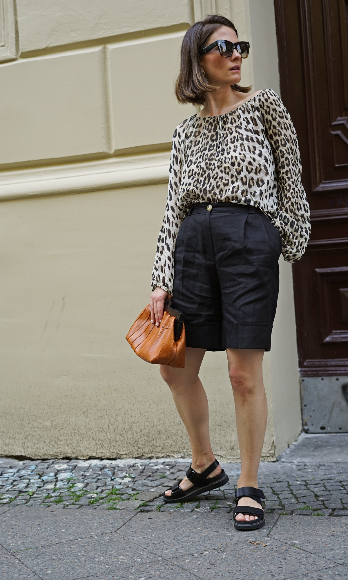 annaporter-leopard-print-bermuda-shorts (3).jpg