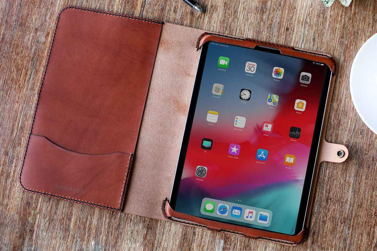 hand-and-hide-leather-ipad-pro-11-case-chestnut-tablet-case-sierra-small_1200x.jpg