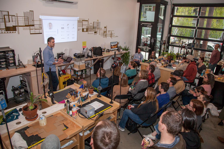 Maker-Meetup-CRO-betsy-and-iya-080.jpg