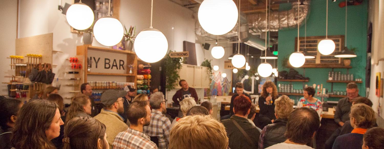 Maker-Meetup-at-DIY-Bar-141-slim.jpg