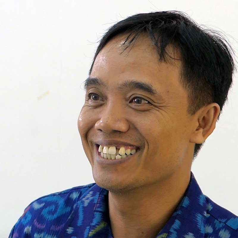 Nyoman, coordinator of Denpasar Autism Centre and Spokle user
