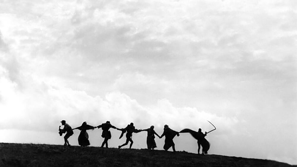 Samtal: Bergman dansar     Kl 15.00  Om 100-årsjubilaren Ingmar Bergman tolkad i dans. Fredrik Benke Rydman och Hugo Hansén, aktuella med scenversion av Det sjunde inseglet, Måns Reuterswärd, film- och tv-producent som bland annat arbetat med Bergman och Birgit Cullberg, med flera samtalar om om Bergmans relation till dans och koreografi såväl som hur man kan tolka Bergman och hans konstnärskap i dans i dag. Medverkande Fredrik Benke Rydman, Hugo Hansén och Måns Reuterswärd. Samtalsledare: Jan Göransson, presschef Svenska Filminstitutet. I samarbete med NIKK.