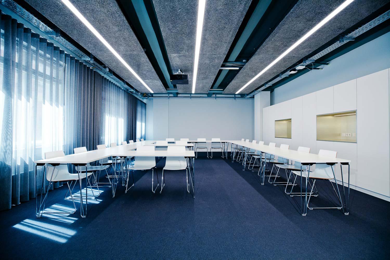 Interieurfotograf Konferenzraum Steinbeis Uni - 1301.jpg
