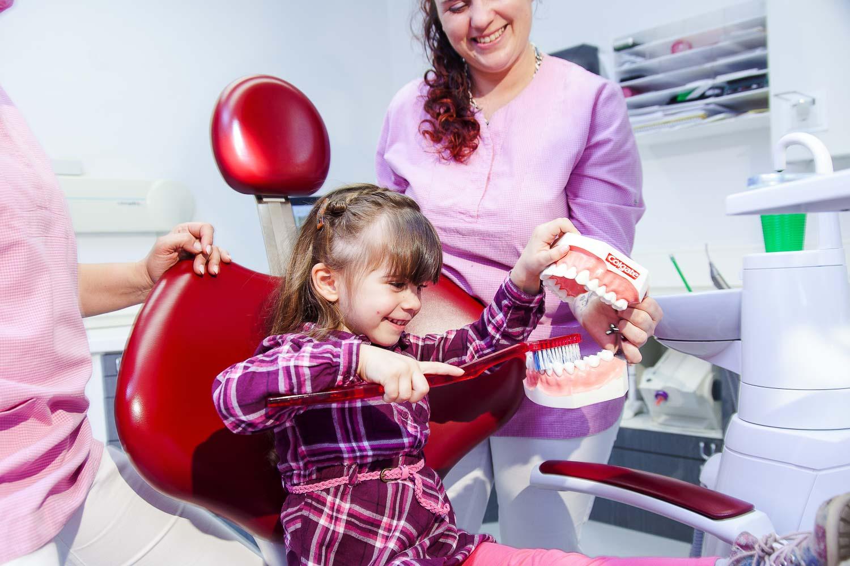 Kinder Prophylaxe Praxisfotografie Fotograf für Zahnärzte Business0102009.jpg