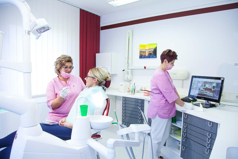 Prophylaxe  Praxisfotografie Fotograf für Zahnärzte Business0095007.jpg