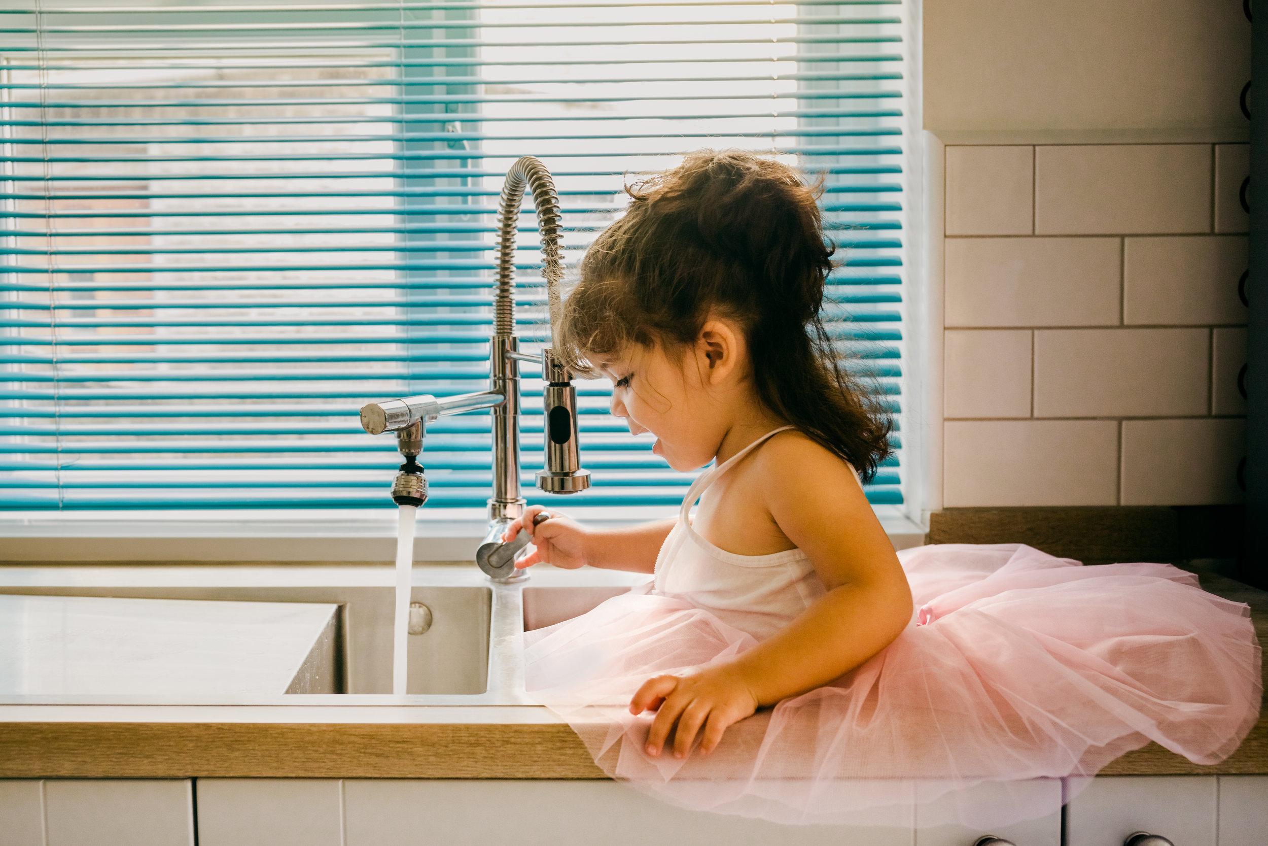 Pink Tutu & Sink Autumn 01a.jpg